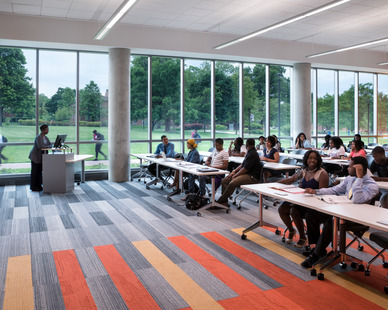 The dynamic glass by SageGlass® tints on-demand, allowing professors to customize solar control for individual classrooms and labs. It also tints automatically to block sunlight on hot days and dramatically reduce energy demand in the building.