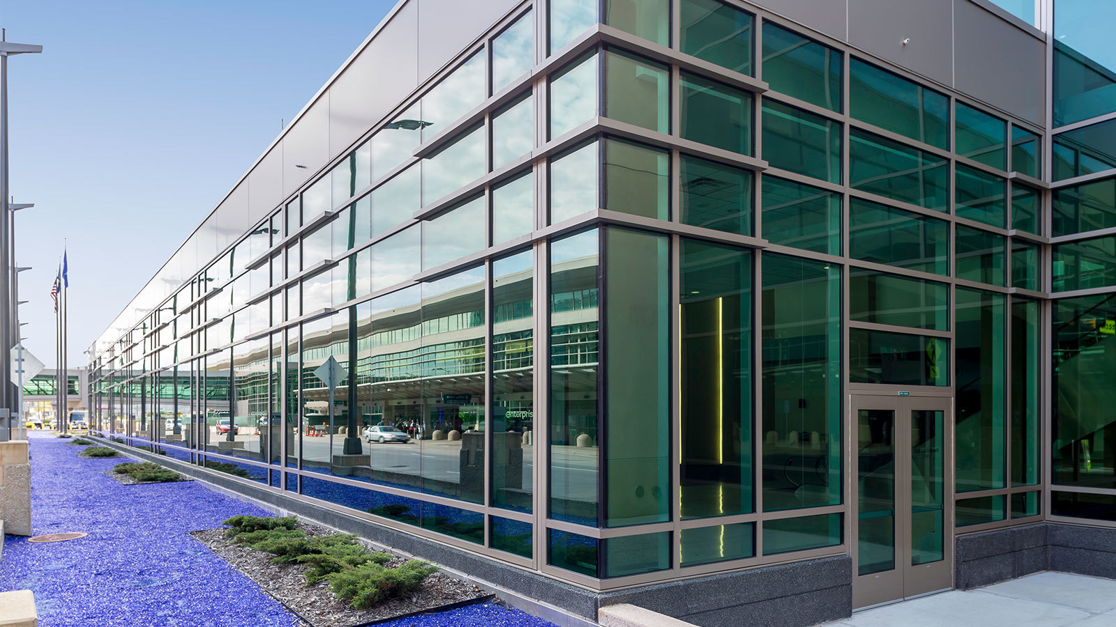 2,700 square feet of SageGlass® was installed during the remodel of the Lindberg Terminal at the Minneapolis-St. Paul International Airport, to reduce solar heat gain and glare for travelers and staff.