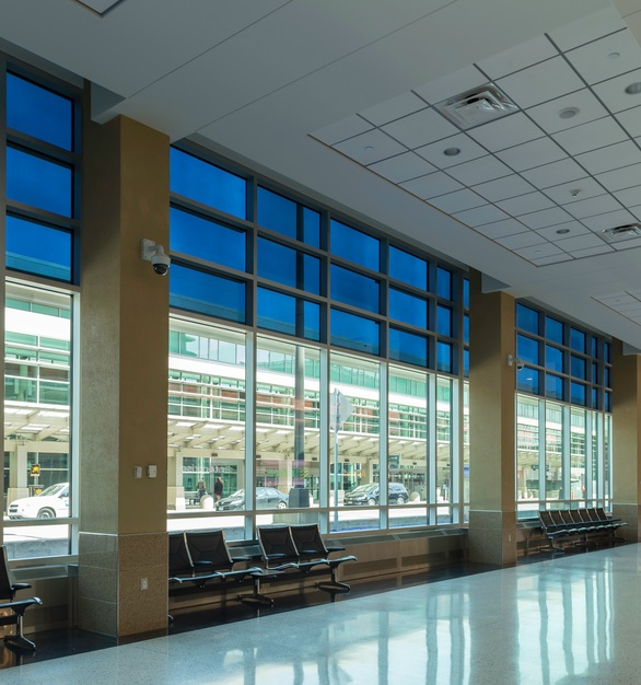 As a result of installing SageGlass® in the MSP Airport, travelers are able to enjoy the biophilic benefits of the outdoors, including a reduction in stress levels, which is particularly important in an environment often associated with elevated stress.
