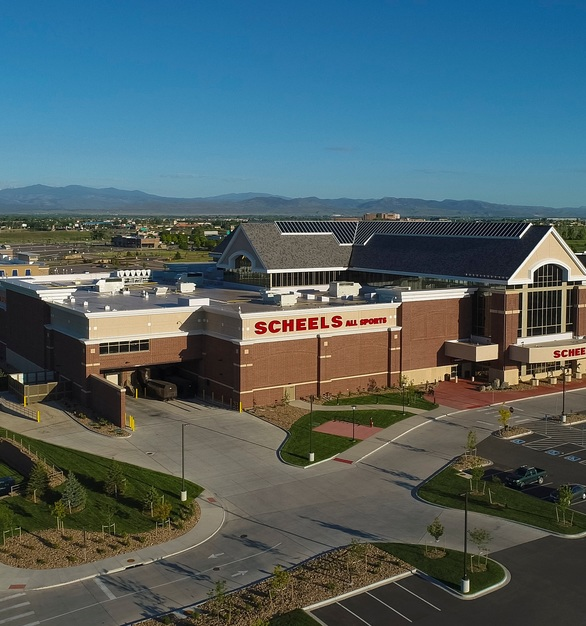 At full transparency, SageGlass® looks like a regular curtain wall or skylight, giving the store a nice, clean exterior look. SageGlass changes its tint discreetly, without distracting shoppers and staff at the Johnstown, Colorado SCHEELS.