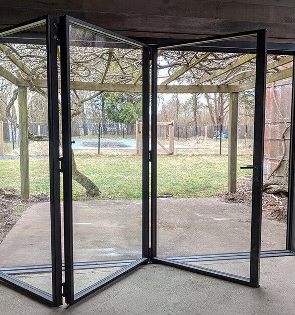 Shuman Done custom folding doors 00153