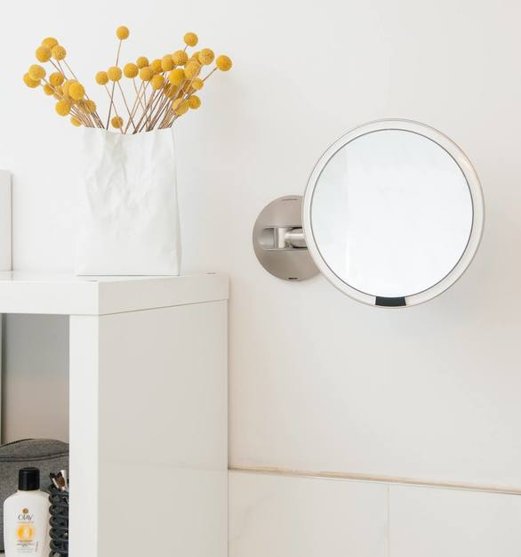 At 800 lux and with a color rendering index (CRI) of 95, the tru-lux light system is more than twice as bright and more closely simulates natural sunlight than the next best.
