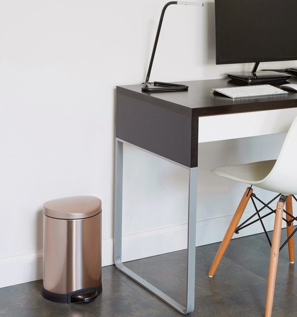 Small or large, simplehuman has the trash can/recycling can that fits perfectly in your space.