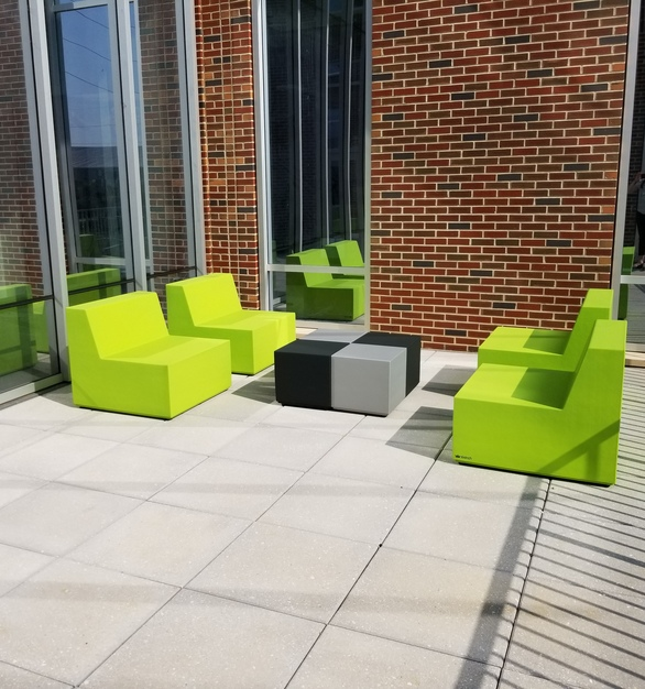 SIXINCH's Trinity collection is perfect for any outdoor space including higher education. This patio is located at the University of Alabama's Business School.