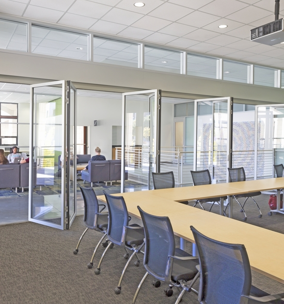 SL45 Folding Glass Walls NanaWall Education Interior Stanford Bioengineering Department Meeting Room Rolling Chairs and Tables Design