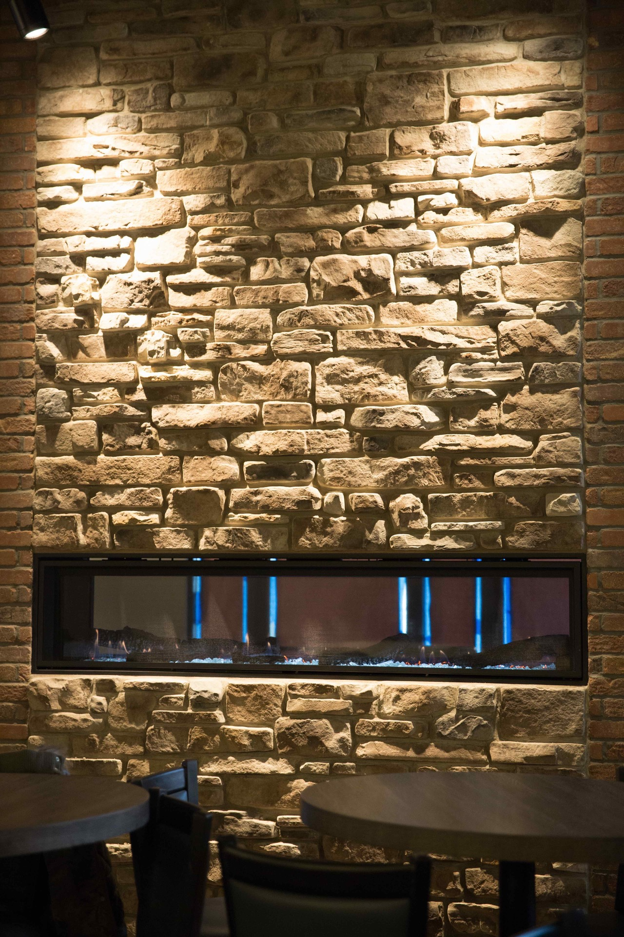 Speedymason Stone Lath provides a solid and unique barrier system to install your stone tile. The panels fit all stone sizes.