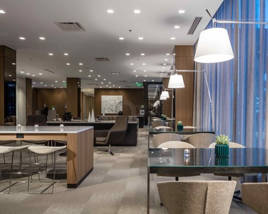 Modern lobby design constructed by Stahl and features modern hotel furniture sure to make any guest feel welcome
