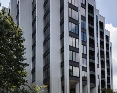 Star Metals Atlanta Apartment Complex Exterior Parking and Window Facade