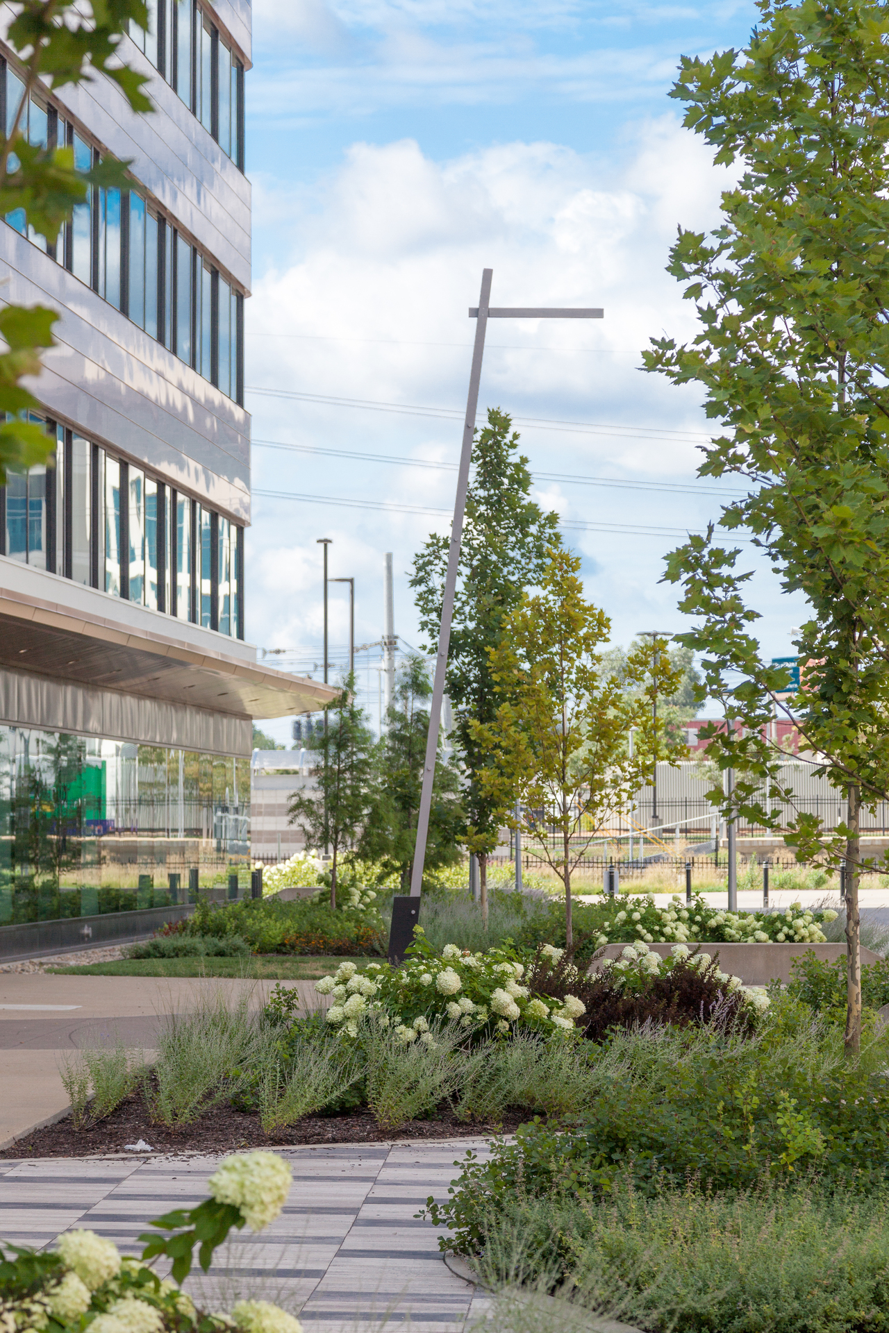 The outdoor public spaces at 4220 Duncan Avenue features our Tandem Tilt pole to illuminate the pedestrian walkways and sidewalks.