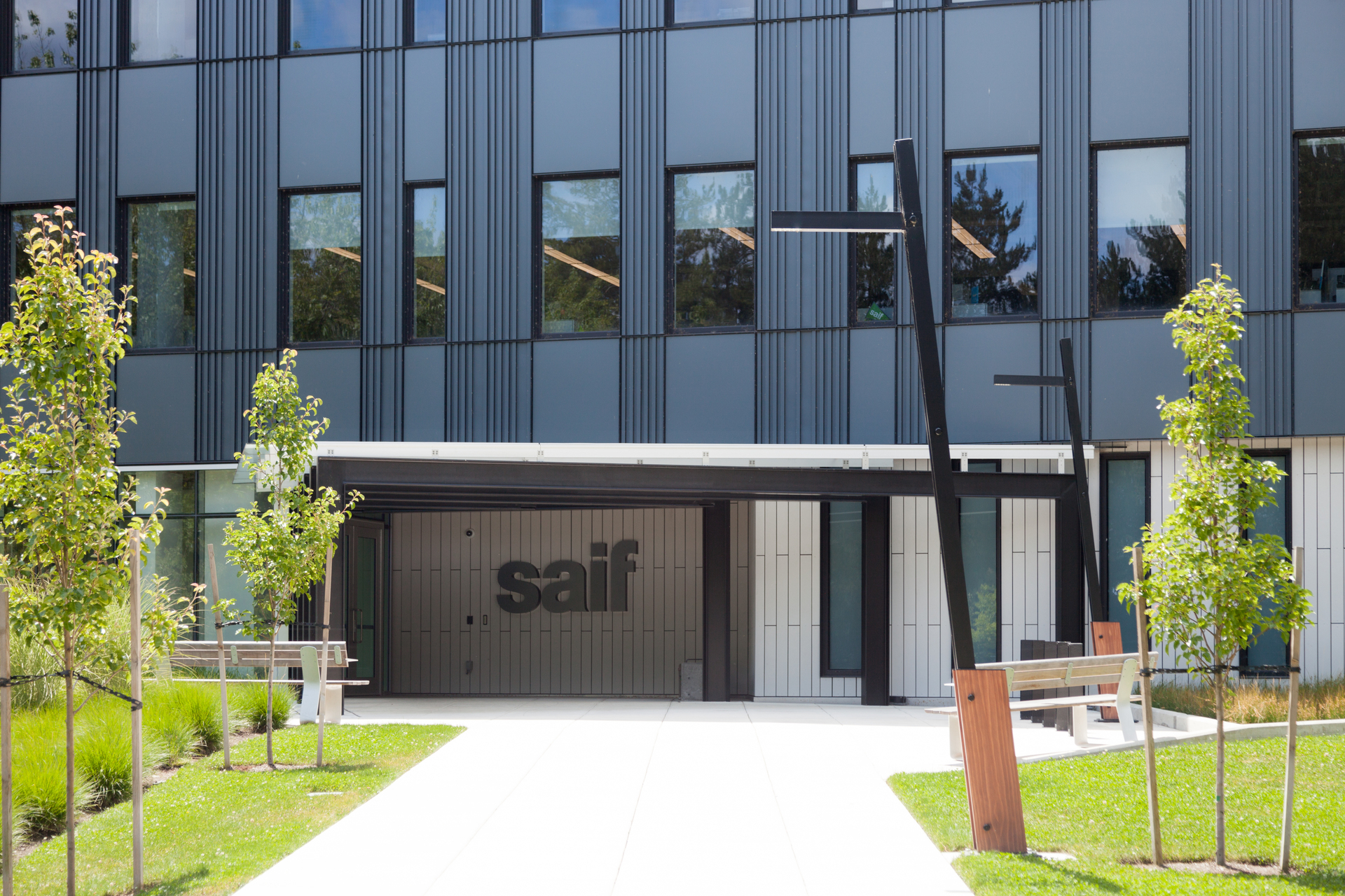 Featuring our Tandem Tilt pole with the Lineal fixture. The new SAIF headquarters reflects the company's vision to be a responsible, forward-thinking, and collaborative organization. Designed as a 50-year building with low maintenance and durable materials, SAIF expects this to result in a significant reduction in utility cost.