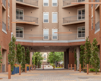 Eye-catching luminaires at the outdoor public spaces at the Union on Elizabeth. We provided our Mac Bollards and Aura Linear fixtures for uniform design and look.