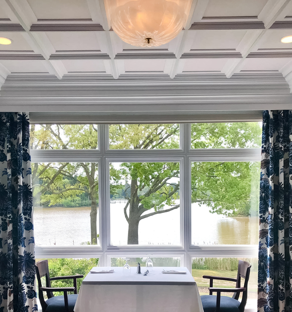 On the Chesapeake Bay waterfront, the Talbot Country Club speaks sophistication with its interior. The Executive Coffer Acoustic Ceiling Tiles bring elegance to the space above, while also offering noise reduction throughout the River Room.