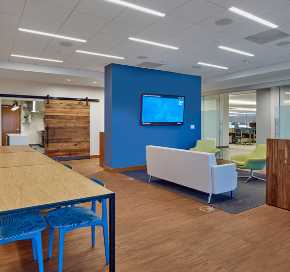 CSC's new corporate home needed to reflect a modern, sleek aesthetic, which is where Tate's high-end architectural finishes came into the picture. Our factory laminated hardwood panels arrived at the job site as a finished product ready for install, minimizing the need for additional on-site trades.