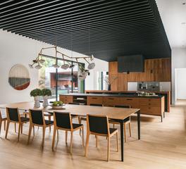 Taula Kitchen