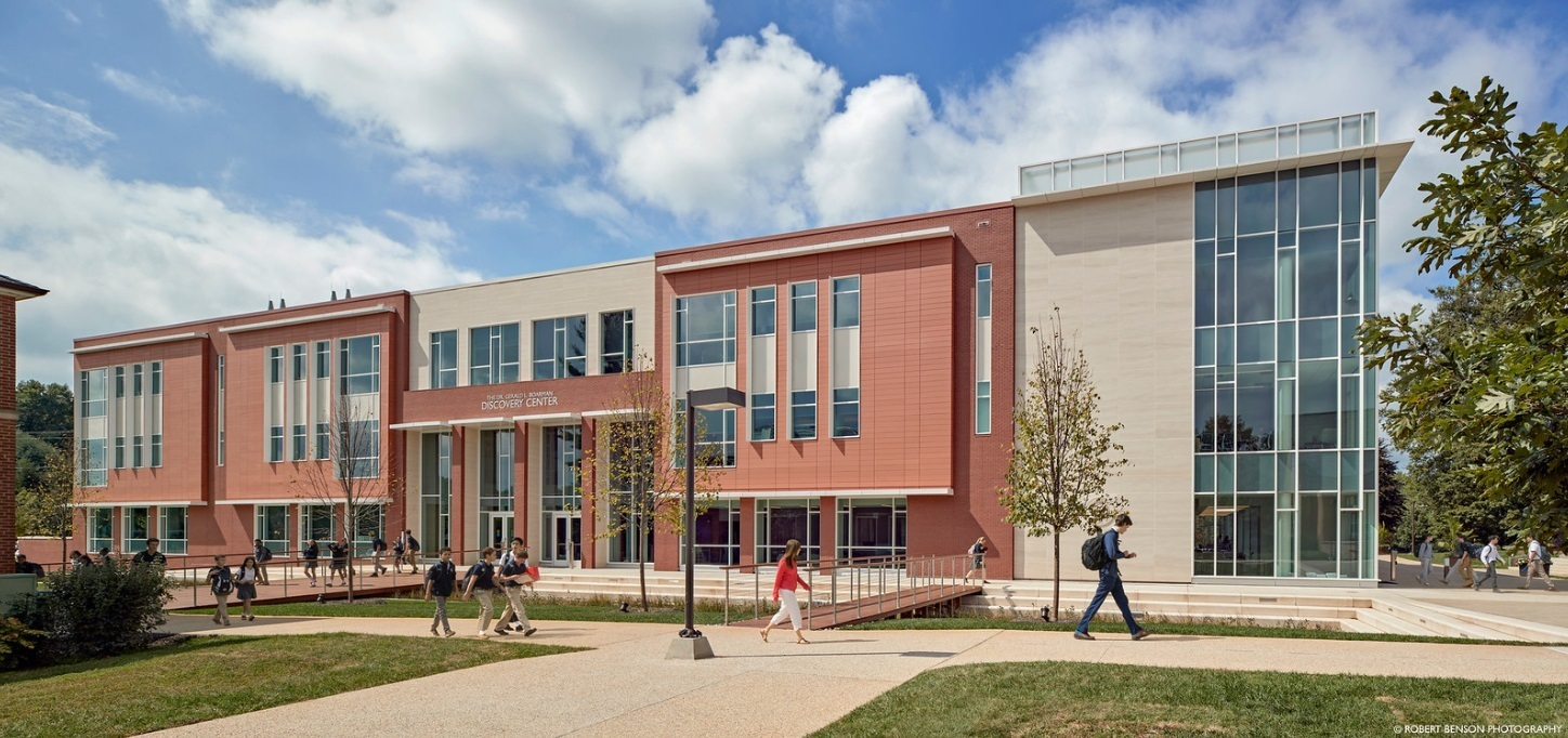 The Discovery Center is the new heart of the Bullis School—a K-12 academic environment that includes 23 classrooms, a studio theater, Makerspace and Fabrication Lab, and Innovation Center for Entrepreneurship.