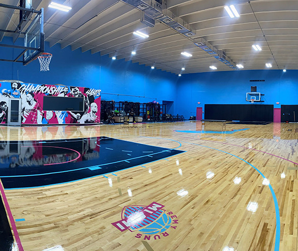 The Miami Perimeter is home to Stanley Remy, Remyworkouts and Remy Runs Miami.  Our Partner in Sport, Court Dreams, installed the flooring.  The Aacer Sports Flooring system selected for this project was ScissorLoc V-Hex.  This system features patented VERT resilient pads.  2nd & Better MFMA maple was chosen for the top.