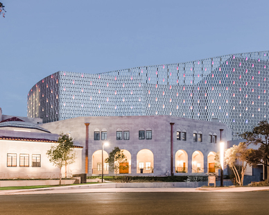 With sleek, modern hues and flush LED lights in the sweeping metallic veil, the Tobin Center showcases the best in contemporary aesthetics and integrated design components.