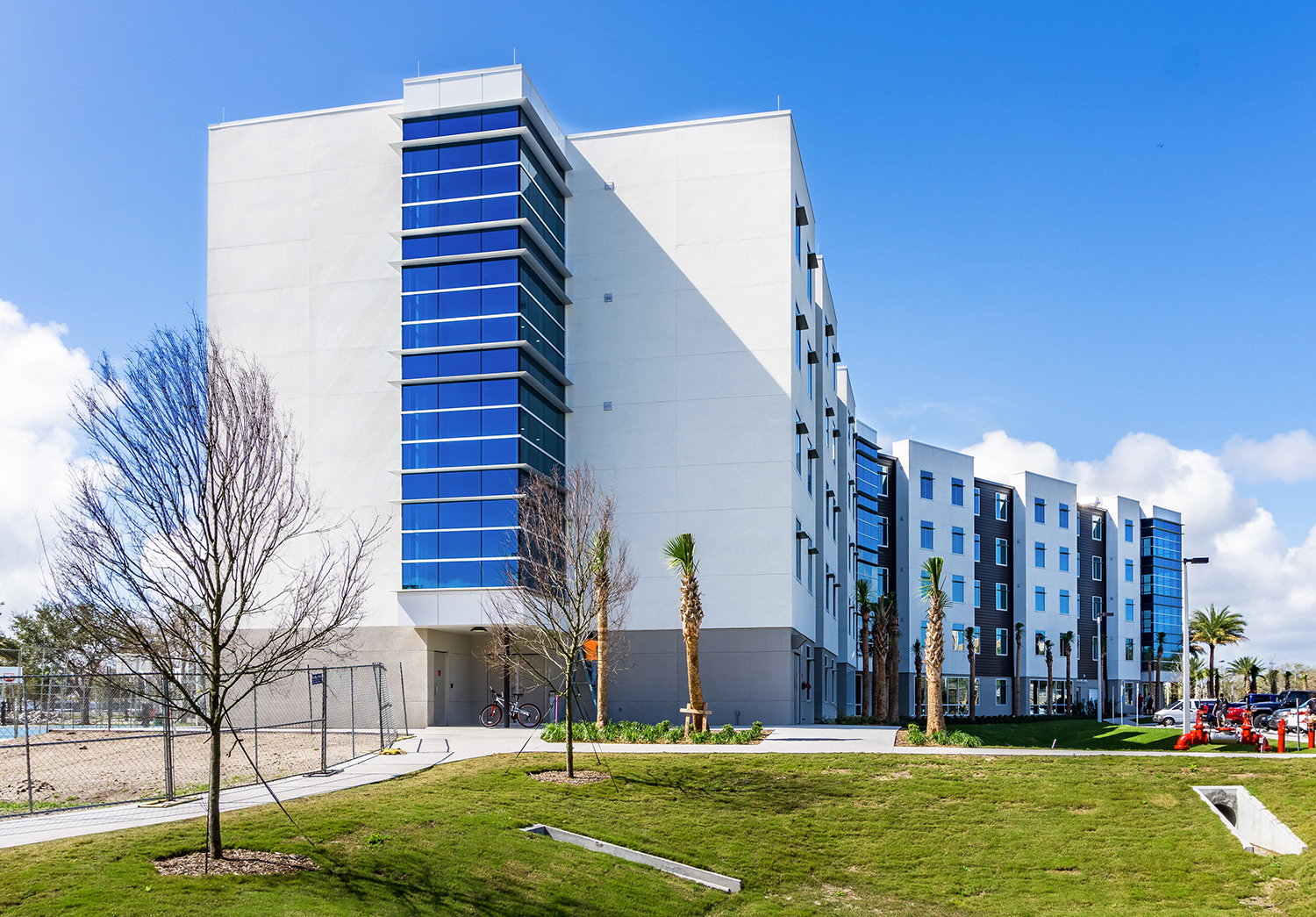 Project stakeholders for the Embry Riddle curtainwall and entrances project trusted the dependability of Tubelite's 400 Curtainwall and 4500 Storefront Systems to complete this project.  Photographer: Charles LeRette Photography