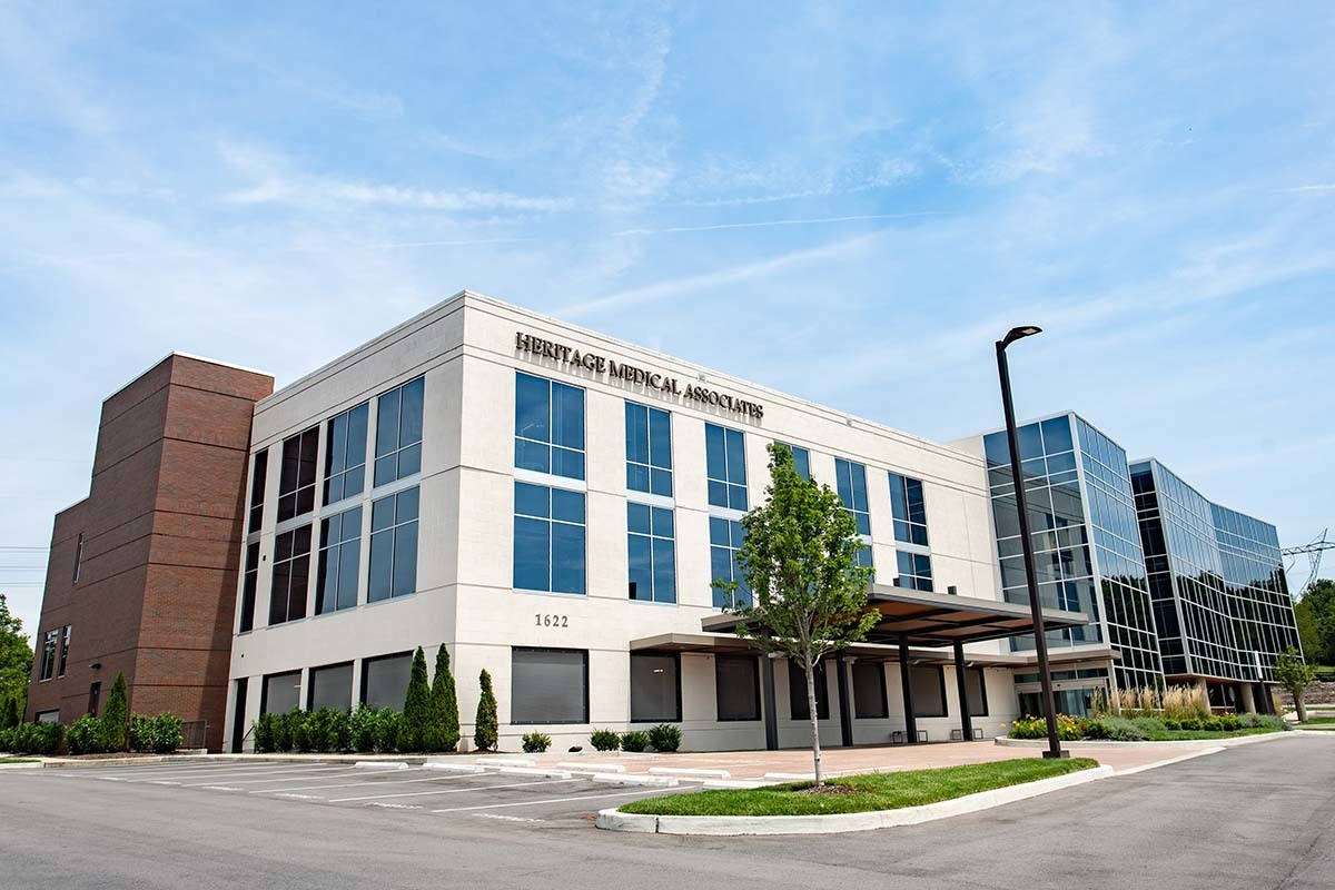 Heritage Medical Office Building exterior design is elevated by Tubelite Storefront and Curtainwall systems.   Photography Credit:Andi Whiskey