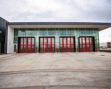 Tubelite Inc. provided its triple-glazed 400TU Series Therml=Block® curtainwall, as well as its T1400 I/O Series multi-pane storefront, operable windows, side entrance doors and INT45 interior framing systems for the Salt Lake City Fire Station no. 14.