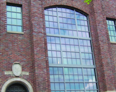 Series SCW2500 and SCW964 offset fixed windows are specifically designed for use in landmark and historic properties, bringing the benefit of modern technology with the historic integrity required for the project.