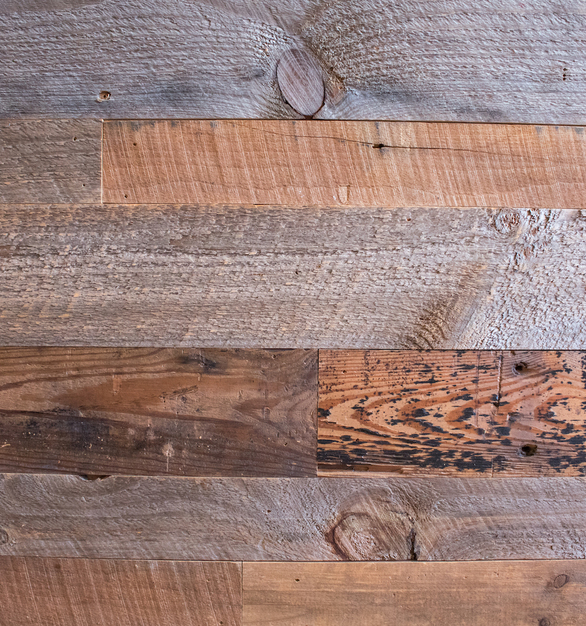 Urban Woods Company provided a mix of Farm Pine Oats, Silver Dust, and Vintage Pine wood to create a welcoming atmosphere at Spring Creek BBQ.