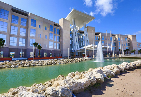 The new Orlando VA Medical Center needed glazing that would provide light and transparency, fire and hurricane protection, and improved energy performance. SAFTI FIRST provided glazing that offers fire and hurricane-rated solutions.  Image provided by: https://www.orlando.va.gov/