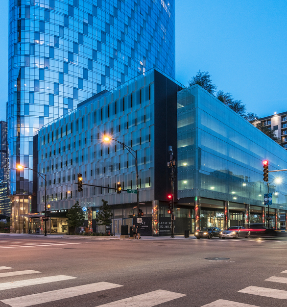 The Bendheim glass facade encloses the parking garage's north, west, and south elevations. Photo by Tashio Martinez.