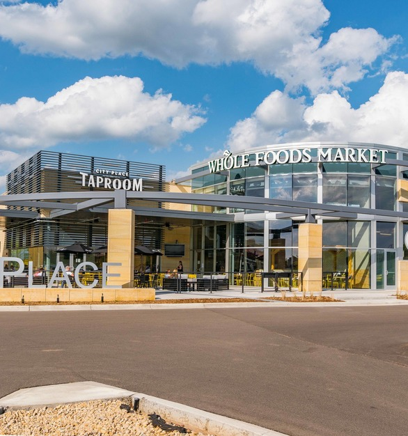CityPlace Shopping Center in Woodbury, Minnesota, features Vetter Stone's Minnesota Stone in Glacier Buff.
