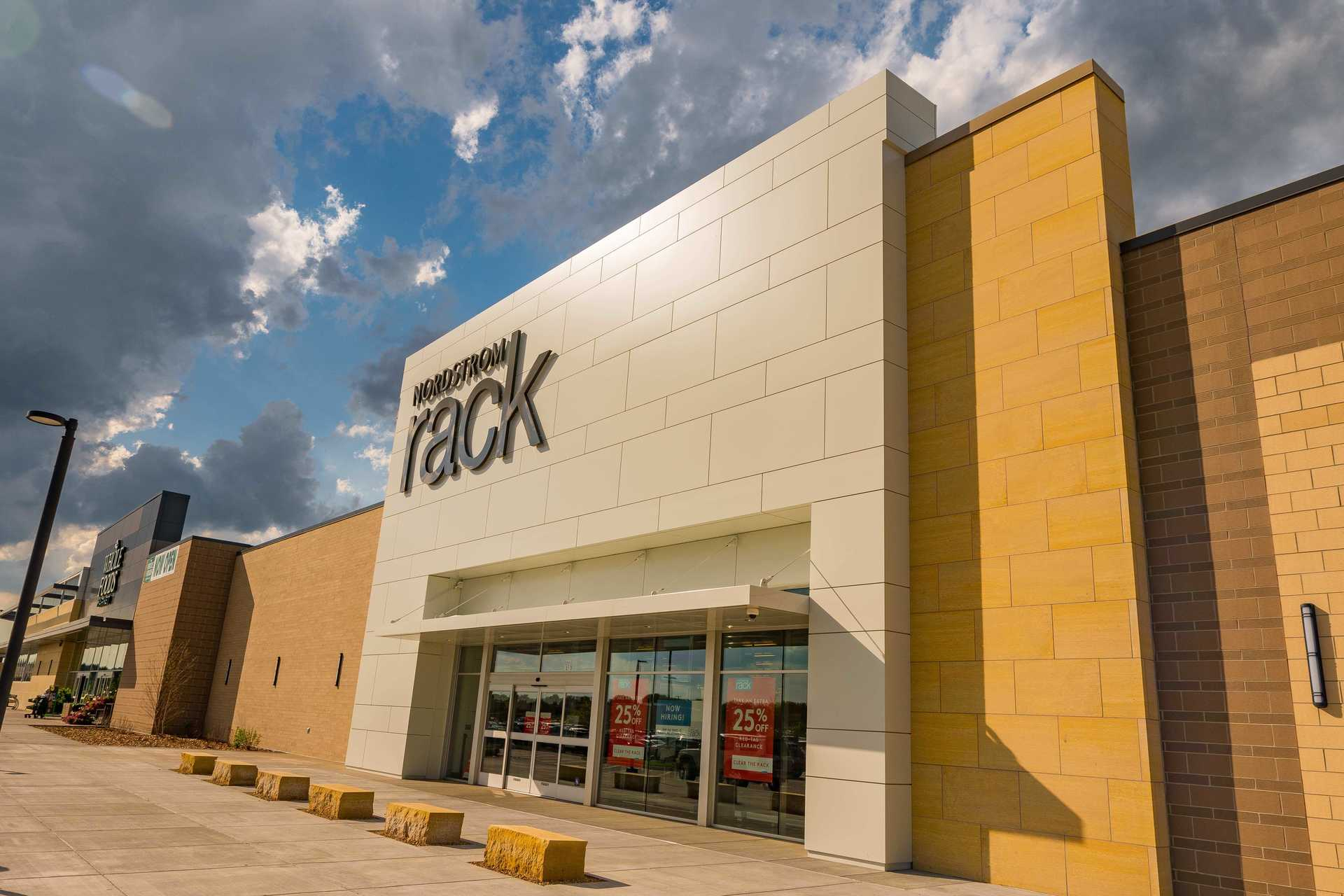 Vetter Stone's Glacier Buff is a dolomitic limestone with a warm, light ochre background and subtle white to beige colored veining. Seen here at CityPlace shopping center in Woodbury, Minnesota.  Photo credit: Elion Partners