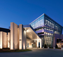 Vetter stone Integris Cancer Institute stone facade Silver Shadow Alabama Stone with machine smooth finish HKS Architects Front view