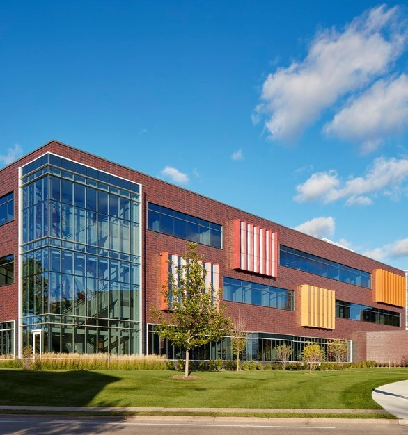 Wells Concrete provided 294 pieces of insulated precast panels for the Norman and Evangeline Hagfors Center of Science.