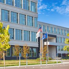 wells-concrete-prime-therapeutics-boulder-lakes-office-front-facade-design