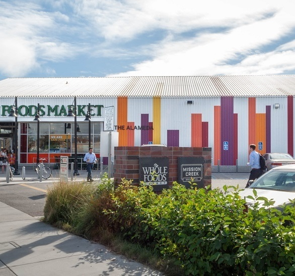 Exterior of Whole Foods Market in San Jose, California fitted with Morin Y-36 Exposed Fastener Series.