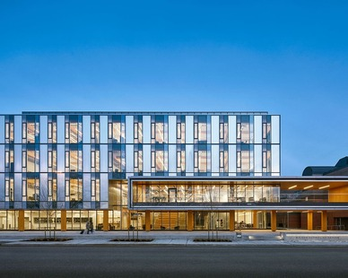 The beautiful exterior of this School of Design has lots of windows for natural lighting.