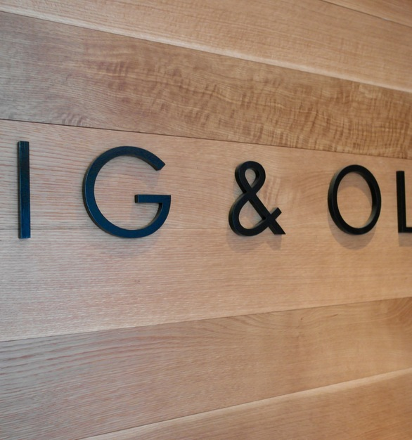 Rift White Oak Panelling can be found throughout the Fig & Olive Restaurant in Chicago, Illinois.